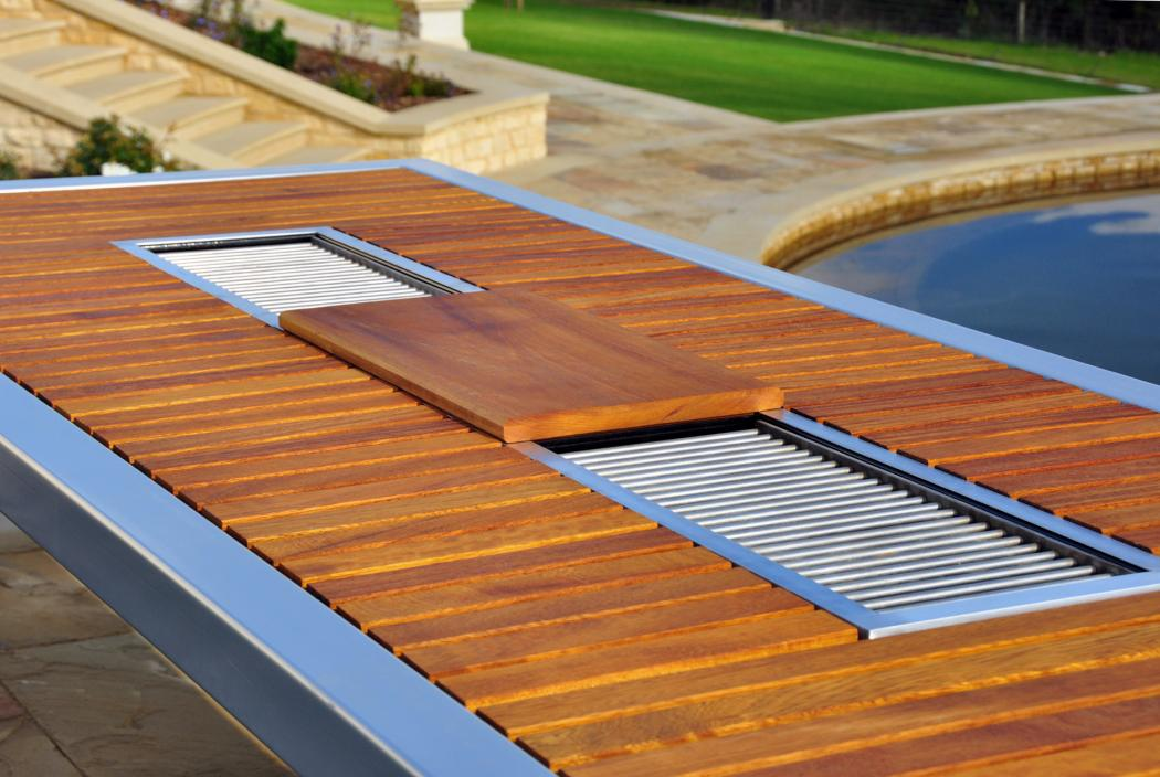 Angara Maximus der Gartentisch mit integriertem Grill  : grill tischgrill barbeque intergriert grilltisch luxus designer modernluxury expensive outdoor furniture 2 from www.mustxhave.com size 1050 x 704 jpeg 100kB